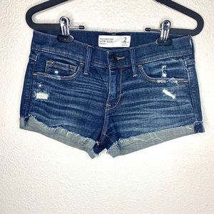 Abercrombie & Fitch low rise stretch shorts